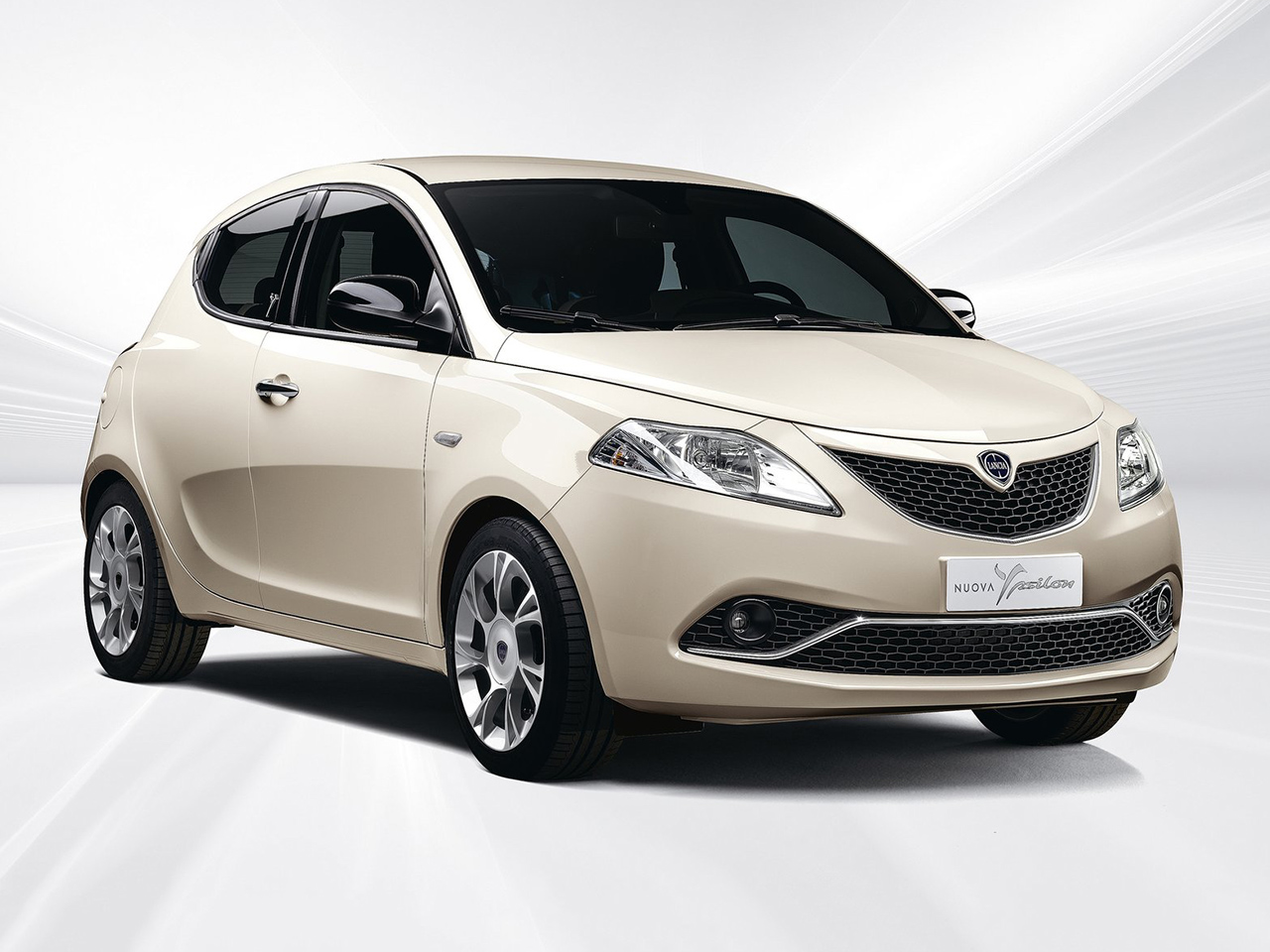 Lancia Ypsilon or similar